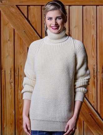 Women's Ribbed Wool Turtleneck Sweater - White