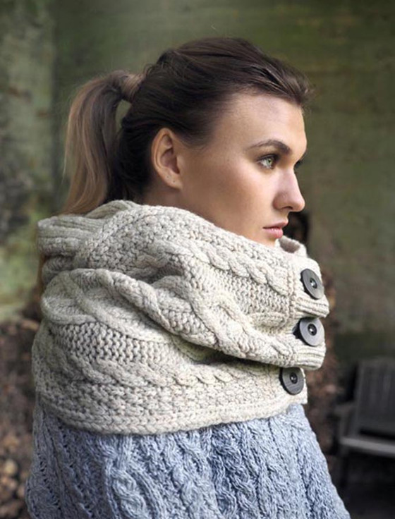 Luxury Aran Snood with Buttons - Beige