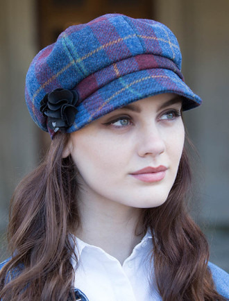 Ladies Tweed Newsboy Hat - Navy Red Plaid