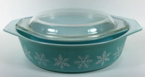 Vintage Pyrex oval casseroles cover turquoise snowflakes