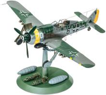 1/32 Focke Wulf Fw190 F-8 Plastic Model Kit