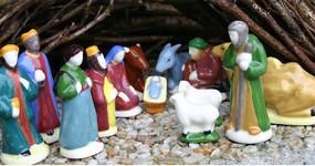 Quimper Nativity Figures