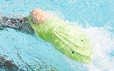 Aletas de natación que son un 70% más ligeras