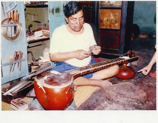 the-legendary-maker-late-hiren-roy.jpg