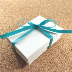 gift-wrapping-inedible-jewelry-250.jpg