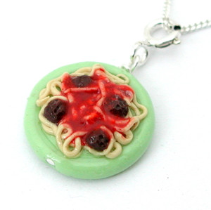 spaghetti and meatballs necklace by inedible jewelry