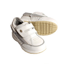 Hatchbacks Freestyle Kids Shoe : White/Gray Leather: Clearance sizes 5c-3k