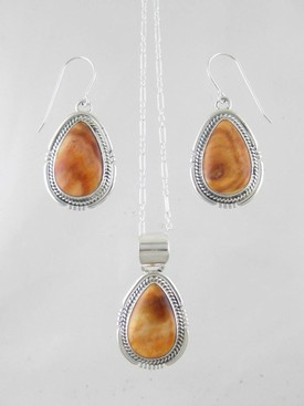 Sterling silver spiny oyster shell pendant earring set southwest sterling silver spiny oyster shell pendant earring set aloadofball Choice Image