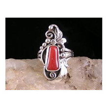 Red Mediterranean Coral Ring Size 7 1/2 (RG520)