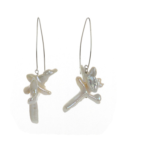 Duomo - Pearl Earrings, zoom: Duomo earrings in silver-tone, French wire dangle double-cross freshwater tooth pearl earrings suspended on mixed metal wire