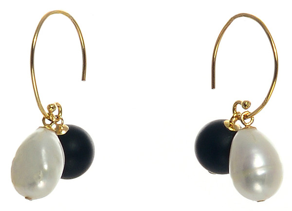 "Dolomiti Earrings - Pearl Earrings, Gold plate over Sterling Silver ""C"" shaped hoop earrings with interchangeable 10mm matte onyx beads and 10-11mm high lustre potato pearls."