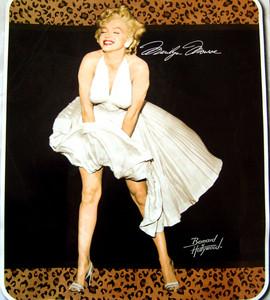 NEW!! - QUEEN Merilyn Monroe Mink Plush Raschel Blanket