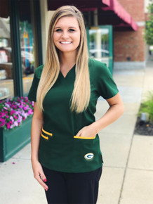 Green Bay Packers Women's NFL Scrub Top with Front Patch Pockets
