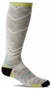 Sockwell Women's Incline Moderate Compression Knee High Running Sock - Lt. Grey (15 - 20 mmHg)