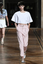 Paul and Joe Spring 2018 Ready To Wear Look 3