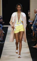 Leonard Paris Spring Summer 2018 Ready To Wear Look 9