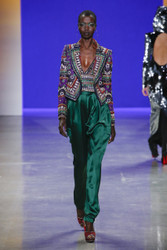 Naeem Khan Fall / Winter 2018 Ready To Wear Look 30