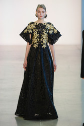 Badgley Mischka Fall / Winter 2018 Ready To Wear Look 9