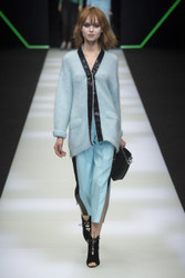 Emporio Armani Fall / Winter 2018 Ready To Wear Look 19