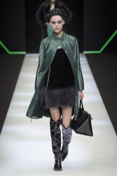Emporio Armani Fall / Winter 2018 Ready To Wear Look 3