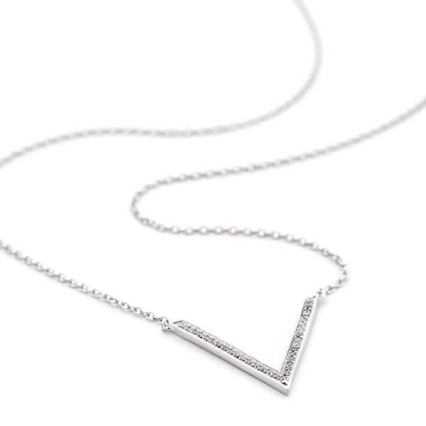 sterling silver v pendant cz necklace