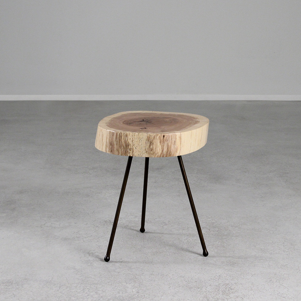 Delicieux White Oak Tripod Table 15 17 Dia X 17 H Inches White Oak, Steel