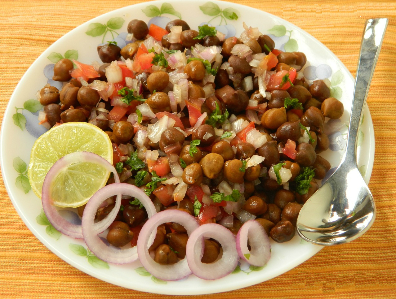 kala-chana-black-gran-salad.jpg