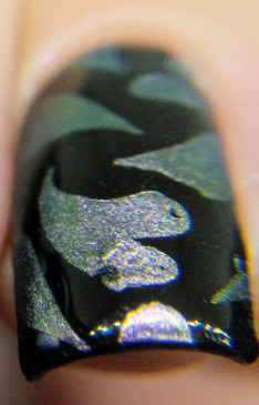 Strong, silver shifting pigment for nail art stamping. Available at www.lanternandwren.com.