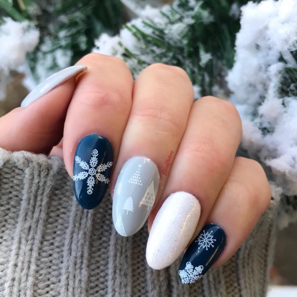 Dixie Plates Christmas 2017 nail stamping plate. Available at www.lanternandwren.com.