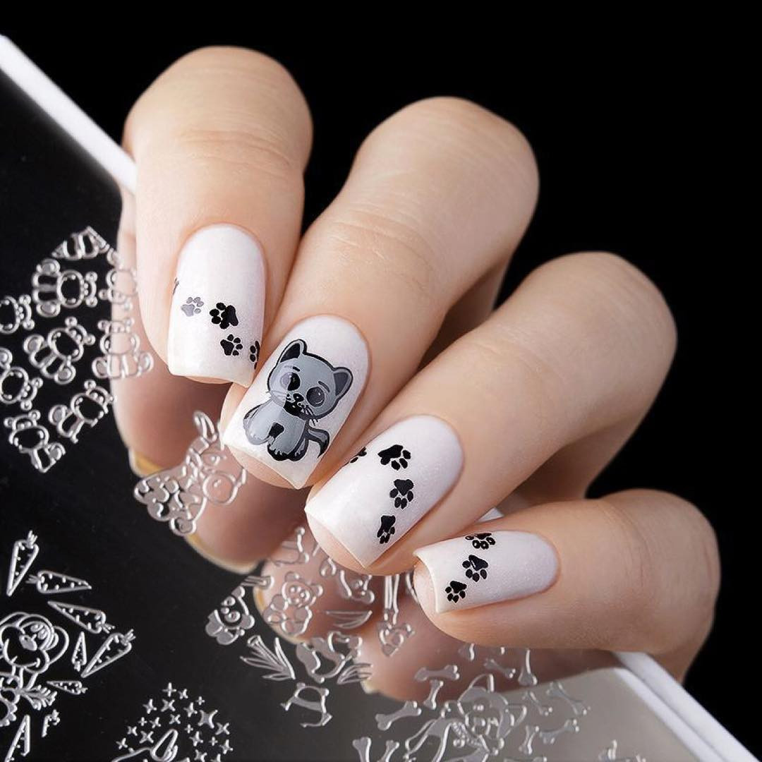 Whats Up Nails Plushie Pals nail stamping plate, B012. Available at www.lanternandwren.com. Mani by @_freyascat_.