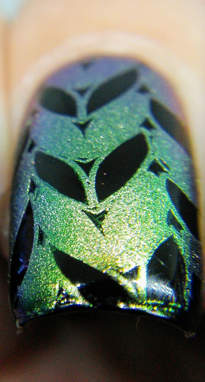 Beautiful, shifting pigment for nail art stamping. Available at www.lanternandwren.com. Mani by Kyong Lee.