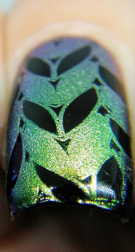Harmonious, shifting pigment for nail art stamping. Available at www.lanternandwren.com. Mani by Kyong Lee.
