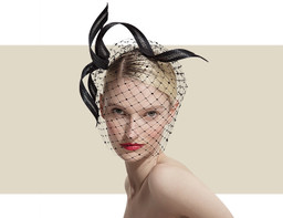 CRYSTAL VEIL HEADDRESS - Black