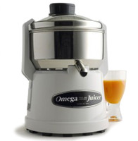Omega 9000 Centrifuge Juicer - White Finish. 15 Year Warranty.