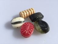 The perfect mix for licorice lover with a twist. Five different flavors filled with salmiak powder.