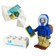 Winter T5 Cache Hunter with Trackable Brick Set