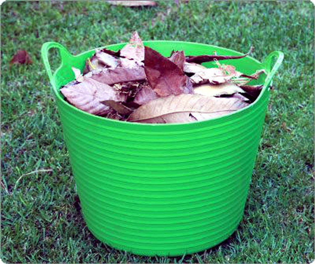 Leaf collection bucket