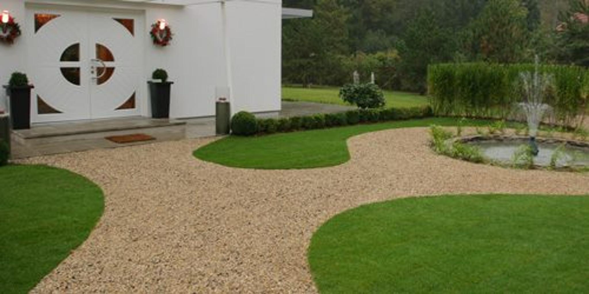 Deep lawn edging paths