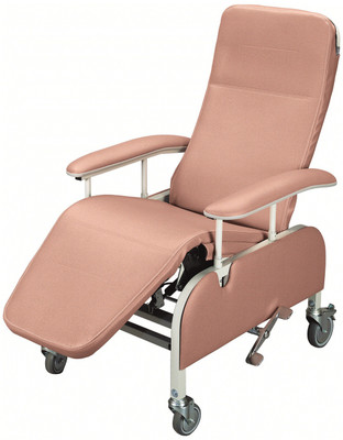 Tilt-In-Space feature maintains a consistent back to seat angle while being tilted. Back does not recline separately from the seat.