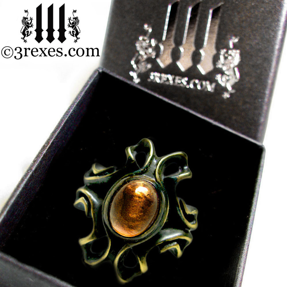 3 rexes prestige ring box with empress vampire brass ring