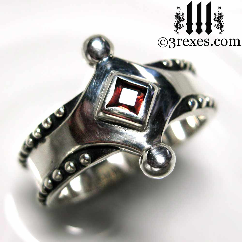 the majestic medieval ring 925 sterling silver gothic garnet