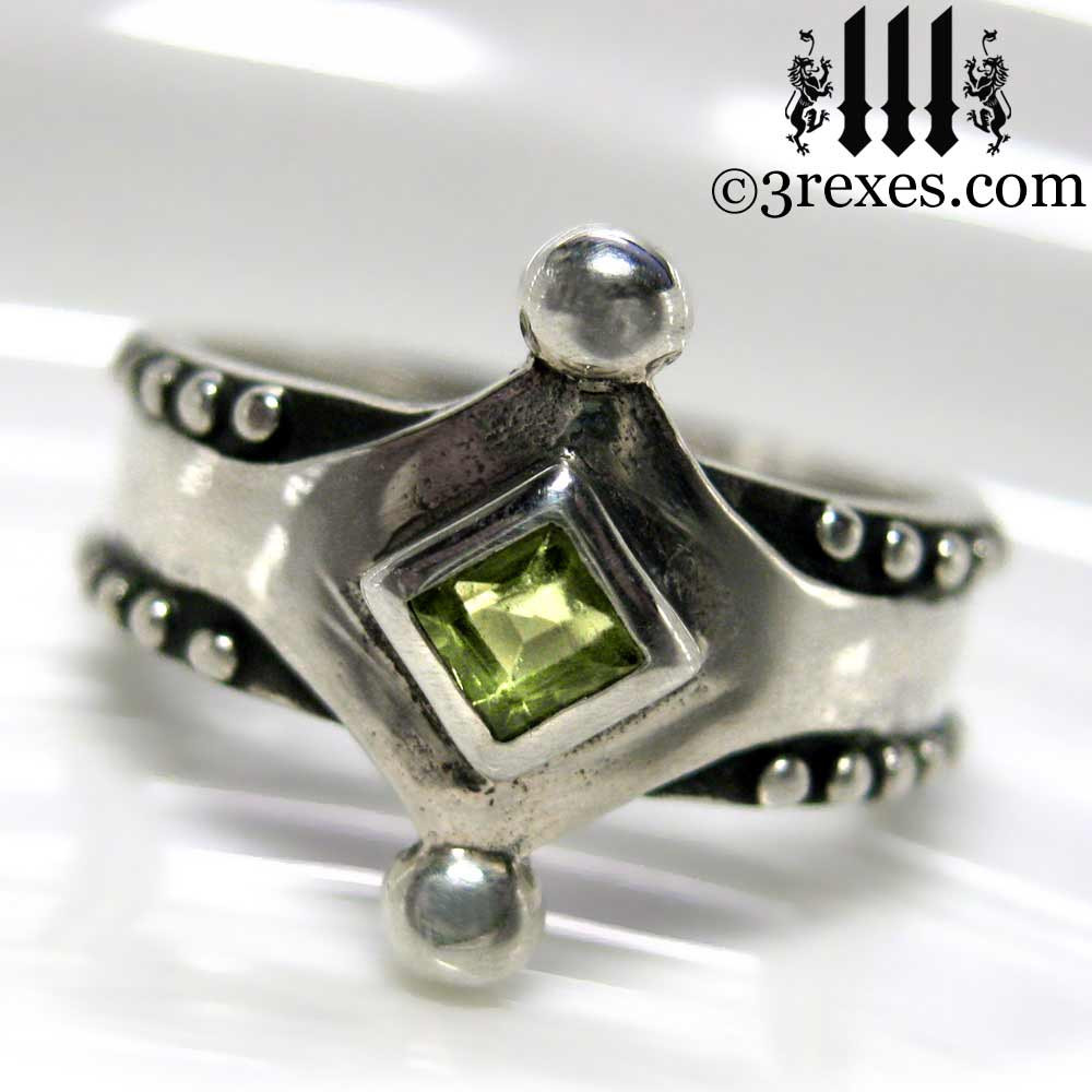 the majestic medieval ring 925 sterling silver gothic green peridot