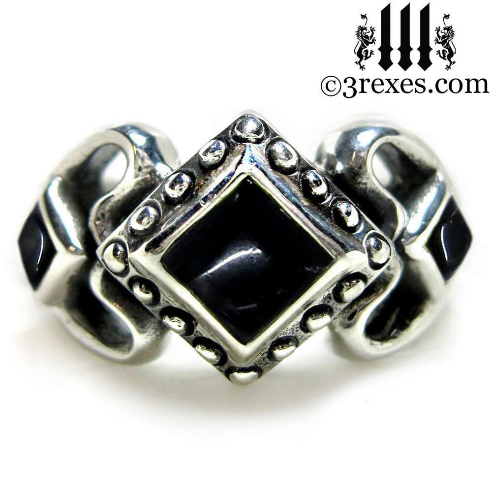 princess love gothic engagement ring with black onyx cabochon