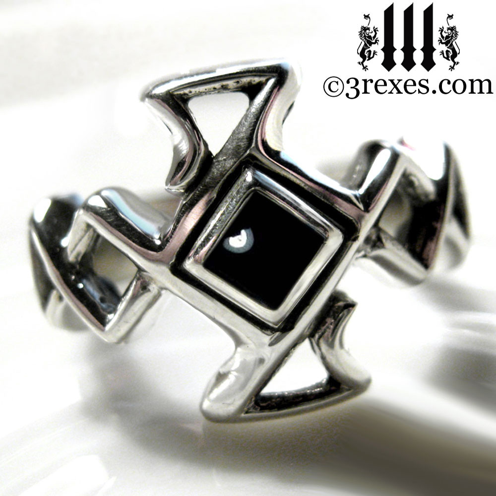 .925 sterling silver celtic cross ring with black onyx cabochon stone