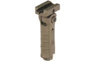 UTG AMBIDEXTROUS 5-POSITION FOLDABLE FOREGRIP (FLAT DARK EARTH)