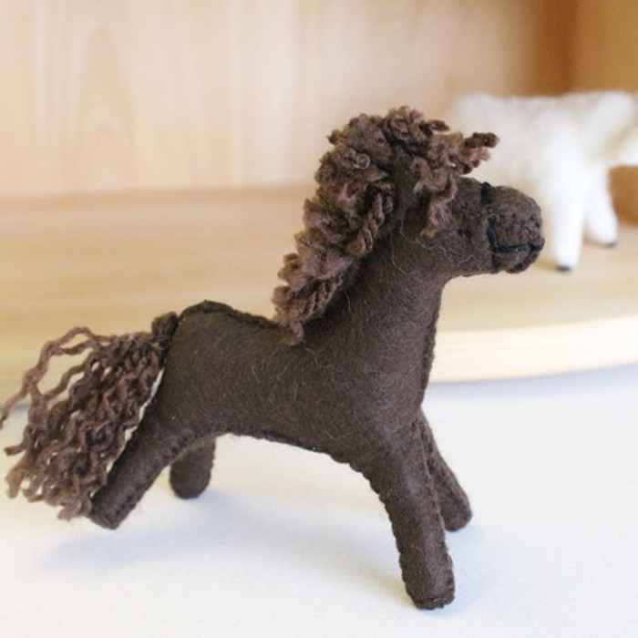 Glueckskaefer wool felt horse, dark brown