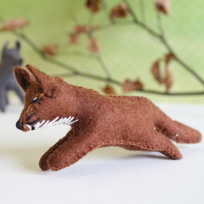 Glueckskaefer wool felt fox