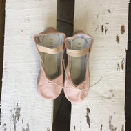 NWT!!  Children's Bloch  Dansoft II Ballet Shoes