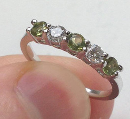 1/2CT Peridot & Diamond 5 Stone Ring 14k White Gold (G/H, I1-I2)