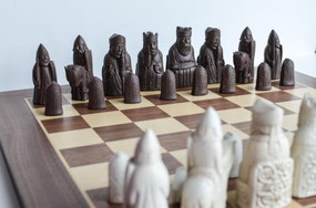 Isle Of Lewis Chess Set With Board